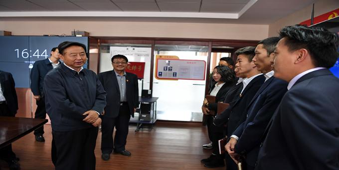 自治区党委常务副书记丁业现易胜博亚洲官网在线公司考察调研党的建设工作